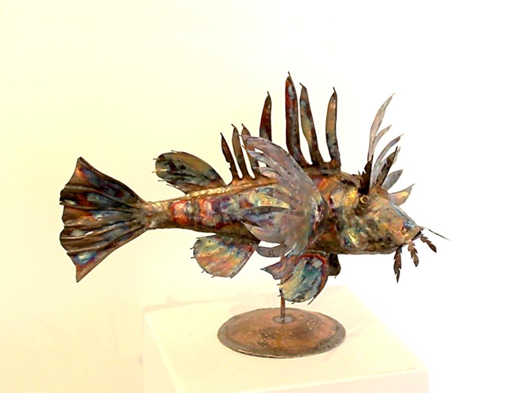 dean-fox-lion-fish-sculpture-1850d