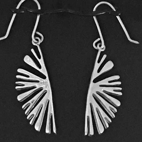 Lamellae earrings in close up - reverse side